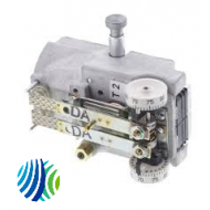 T-4506-209 Series T-4506 Dual Temperature Thermostat with Indexing Switch, Switchover at 17 psig, Reverse Acting, Horizontal Mounting